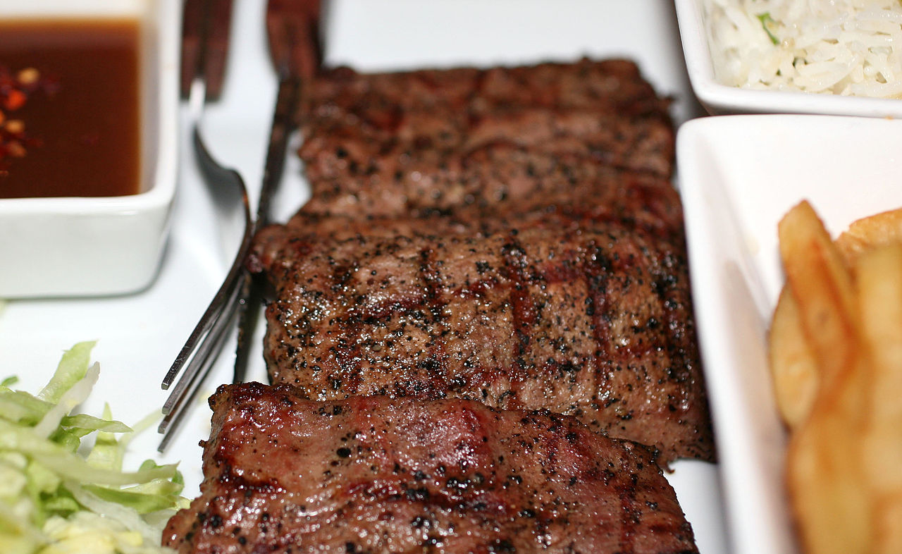 1280px-2nd_June_2012_Lamb_Steak_1